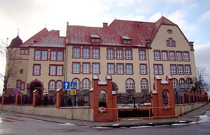 Pierwsza siedziba biblioteki. Obecnie Gimnazjum Nr 2 w Wałczu